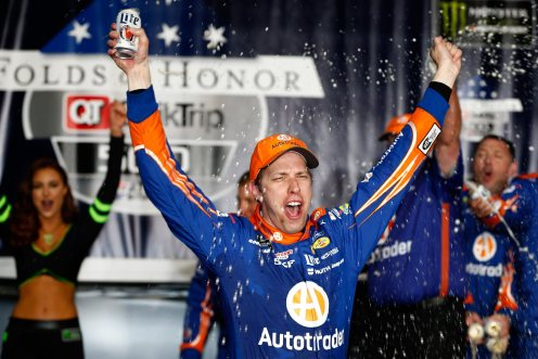 AMS_MENCS_Keselowski_Celebration_030517