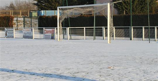 le-froid-et-la-neige-ont-eu-raison-des-matches-des-sr-colmar-et-du-rc-strasbourg-avant-celui-du-fc