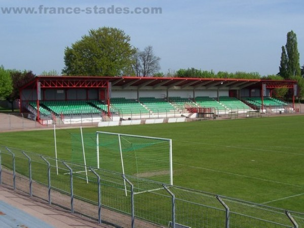 Stade des Alouettes 71300 Montceau