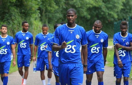 de gauche à droite: Belahmeur, Salmier, Aguemon, Kanté, Seka et Ndoye