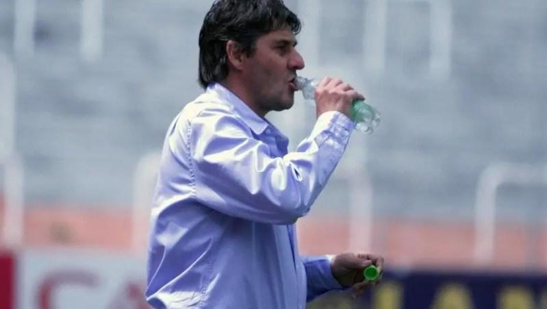 Quiroz se fue de la coordinación de Inferiores de Racing para asumir como técnico de Santamarina. Ya se llevó a tres pibes que conocía de la Academia.