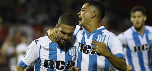 Lisandro López grita un gol en Racing.