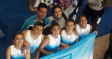 Las chicas de gimnasia representaron a Racing