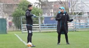 Arias habla con el Chacho.