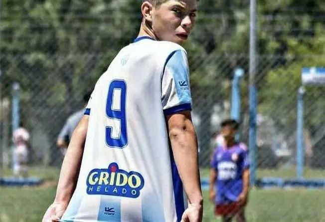 Alex Almaraz sigue metiendo goles en la Novena División de Racing, esta vez frenta a Aldosivi, en el predio Tita Mattiussi.