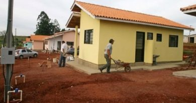 Igreja usa dízimo para construir casas para os sem-teto