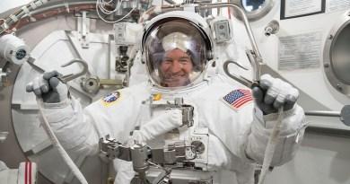 """Astronauta vai ao espaço e fortalece sua fé: """"Vi o trabalho de um Deus infinito"""""""