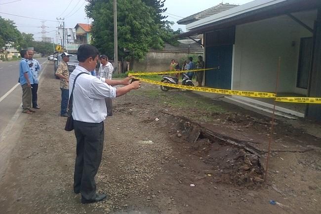 Garis polisi terpasang di sekitar lokasi kejadian