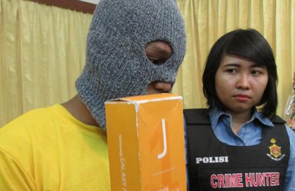 Nur Hasan, penjambret yang dihajar korbannya. Foto: Radar Surabaya/Jawa Pos Group/JPNN.com