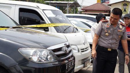 Polisi Bekuk Empat Penipu Jual Beli Mobil Radarbanten Co Id