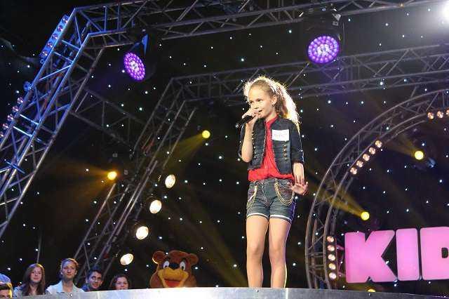 Mihaela Radu_concurenta KIDSing (1)