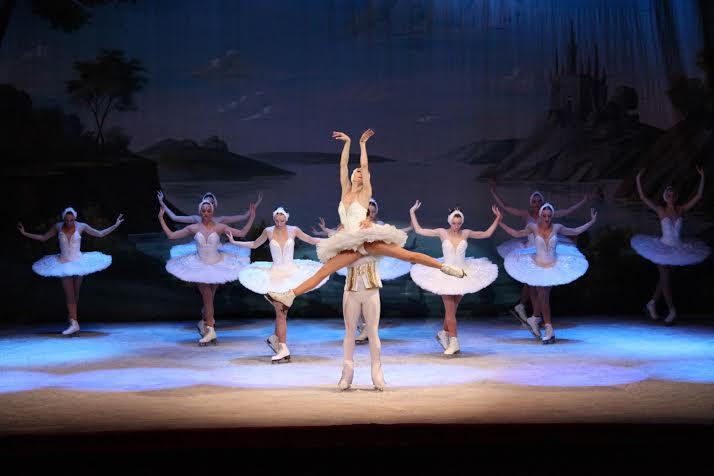 balet-pe-gheata frumoasa din padurea adormita