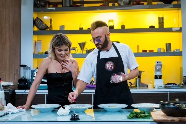 """Mihai Bendeac, apariţie spectaculoasă la """"Chefi la cuţite"""", în această seară, la Antena 1"""