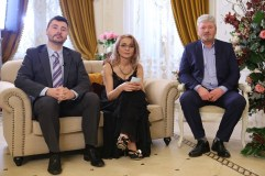 Andrei Abusan si parintii lui, MA INSOARA MAMA, PRO TV
