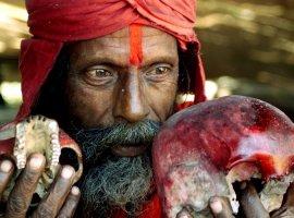Missionário ora por feiticeiro que fica curado e se converte ao evangelho