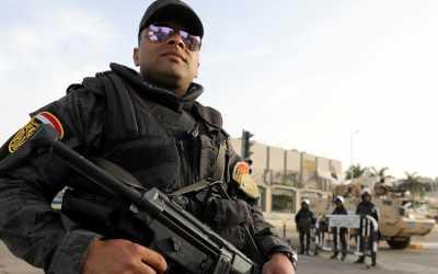 Egito convoca 230 mil policiais para segurança de igrejas no Natal