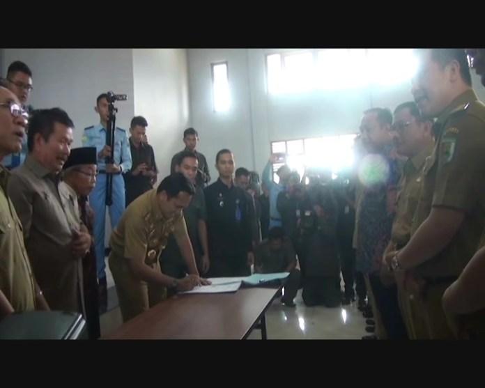 Gubenur Lampung Resmikan Laboratorium SMA Kebangsaan