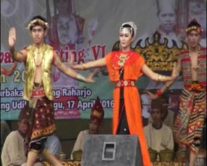 Bupati Lampung Timur Hadiri Festival Tari Melinting