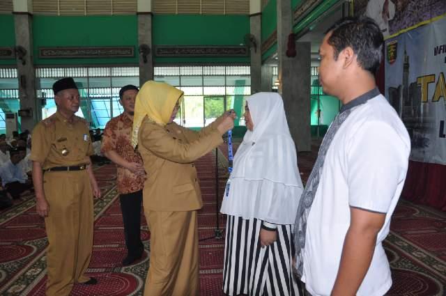 Pemrov Lampung Memberangkatkan Ratusan Calon Jemaah Umroh