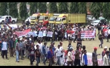 Ratusan Warga Tulang Bawang Sambangi DPRD Provinsi Lampung