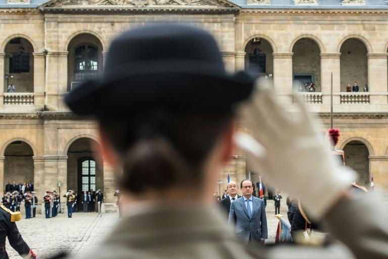 Cérémonie d'hommage aux Invalides à Paris, le 21 juin 2016 . © AFP
