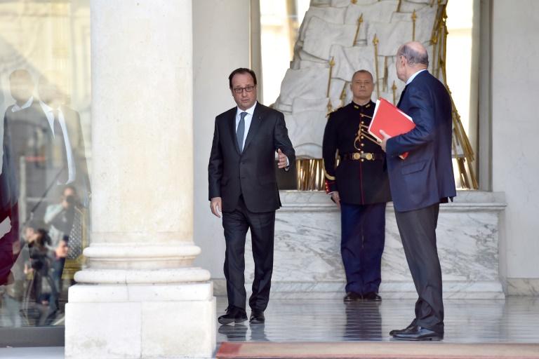 François Hollande à la sortie du conseil des ministres le 12 octobre 2016 à l'Elysée à Paris. © AFP