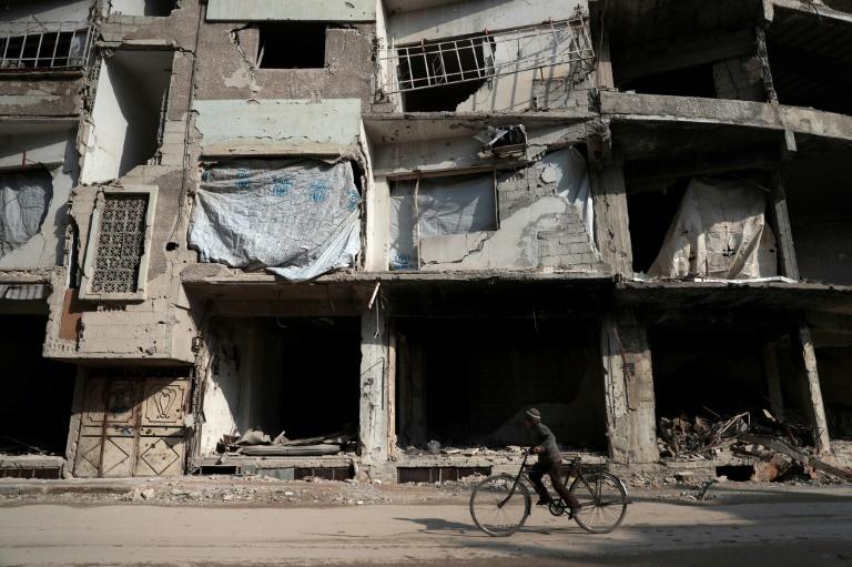 Ruines à Douma, ville sous contrôle des rebelles près de Damas, en Syrie, le 30 décembre 2016. © AFP