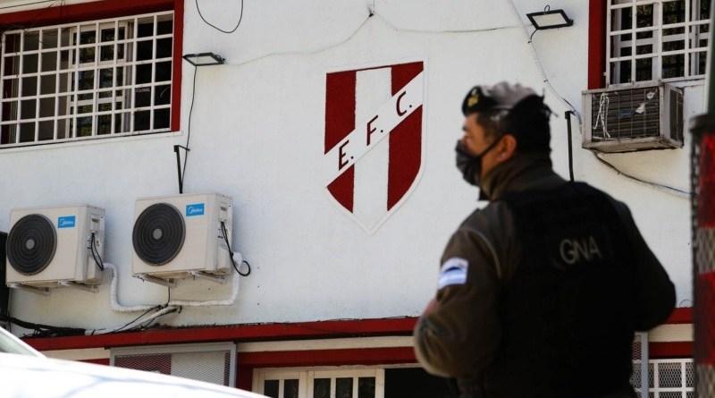 Allanamientos por lavado al club Echesortu: los llamativos objetos secuestrados en los 12 operativos