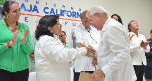 El Congreso del Estado reconoce a los médicos que fundaron el Colegio Médico hace 50 años
