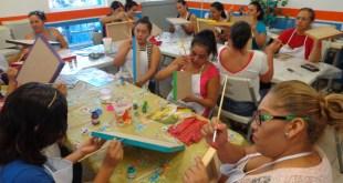 """Se benefician mujeres de La Paz con el programa """"Mujeres autosuficientes y con propósito"""""""