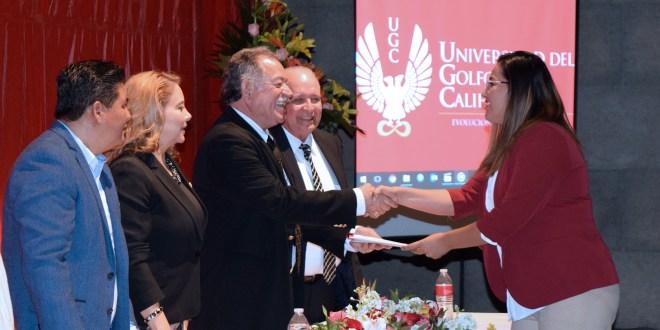PARTICIPA GOBIERNO DE LOS CABOS EN CLAUSURA DE MAESTRÍAS DE LA UGC
