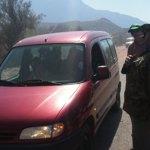Choferes de El Indio controlan a remises en la ruta