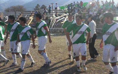 Jugadores de Rivadavia que ayer empataron con Sportivo Animaná