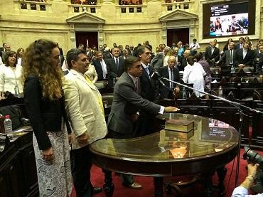 Miguel Nanni en el momento de prestar juramento