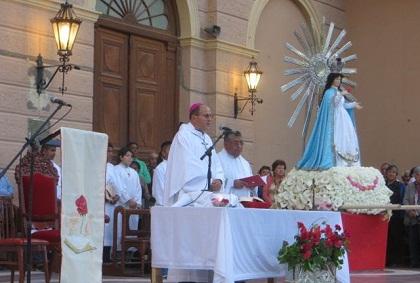 0-cafayate-procesion-del-milagro-obispo