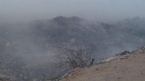 Un nuevo incendio en las trincheras del vertedero causó preocupación