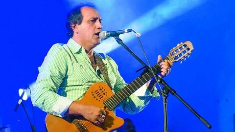 Robaron las guitarras de Franco Barrionuevo y sus músicos antes de la actuación en San Carlos