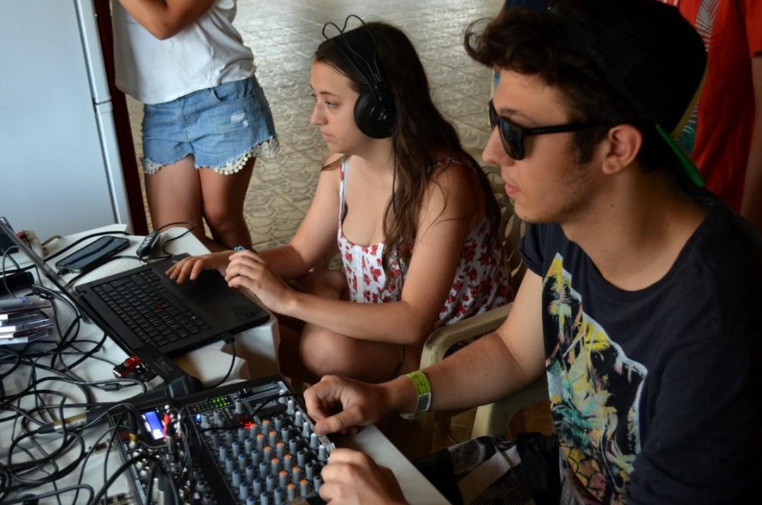Isabel Mazza y Rodrigo Delgado en los controles.