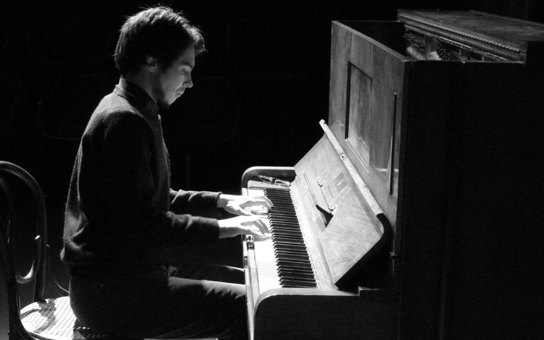 Piano y poesía se unen en el espectáculo de Juan José Zeballos