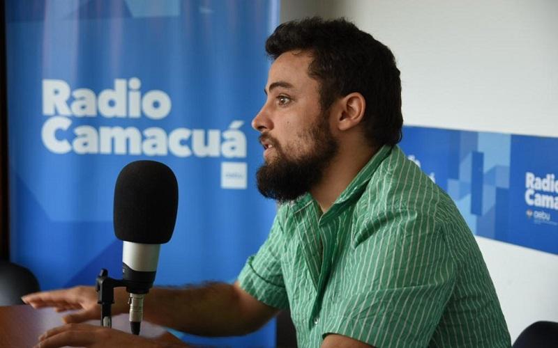 Nico Selves abre en público su Libretá