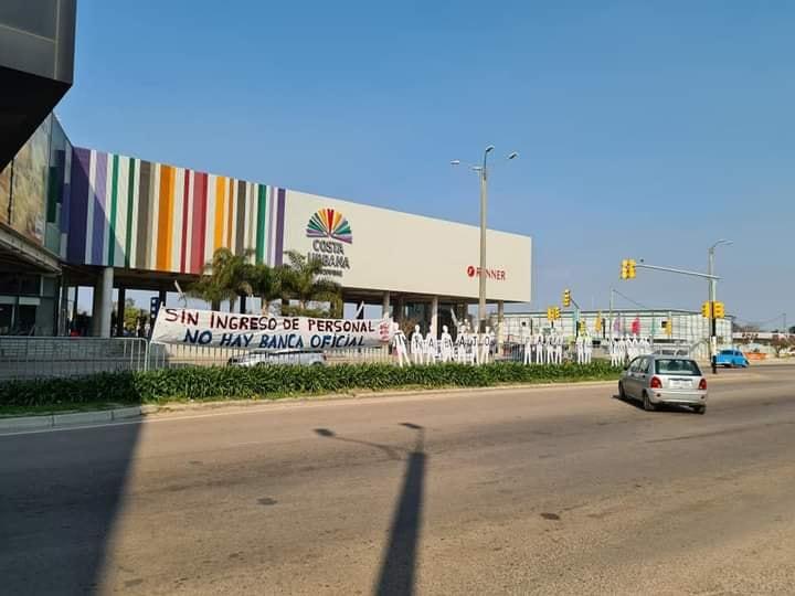 Banca Oficial se movilizó en Costa Urbana Shopping