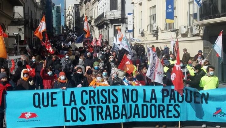 Trabajadores de la salud privada se movilizan por convenio colectivo y reclaman evitar la caída del sector