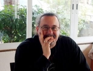 En Dani Chicano, és el director de la revista digital, Proscenium, dedicada a les Arts escèniques