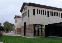 nom Biblioteca la Bisbal