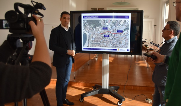 Alcalde Carles Motas durant la presentació del cobriment de la Riera de Sant Amanç