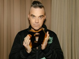 robbie-williams-iguala-els-numeros-1-d'elvis-presley-al-regne-unit