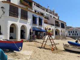 Socorristes a les platges de Palafrugell després de la pandèmia del coronavirus al juny del 2020   Imatge de l'Ajuntament