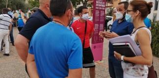 L'alcalde Miquel Bell-lloch de Calonge parlant amb concentrats | Imatge de l'Ajuntament de Calonge