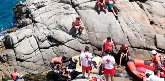 Rescat d'un banyista ferit en una zona de roques a Palamós | Imatge de l'Ajuntament