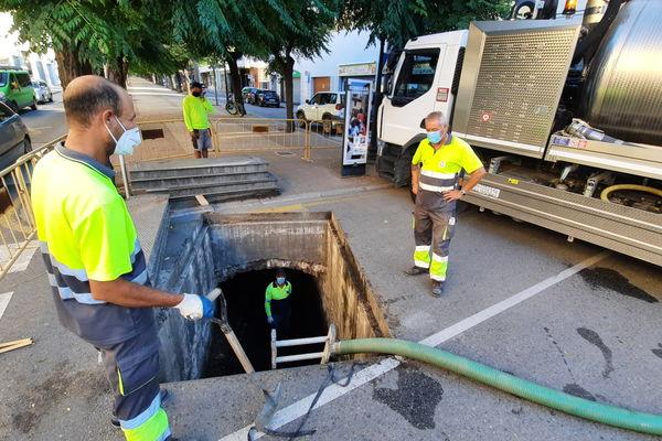 privat:-l'ajuntament-inicia-la-neteja-del-torrent-soterrat-del-passeig-de-catalunya-per-millorar-ne-la-capacitat-d'evacuacio